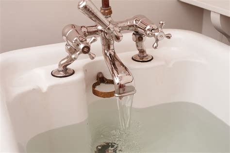 tub faucet water free stock photo 6922 running a bath freeimageslive