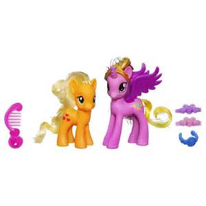 Shining Rug by Hasbro My Little Pony Cadence And Applejack