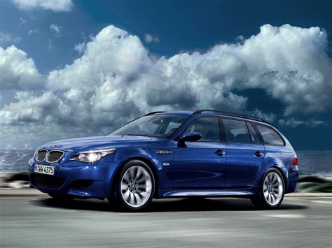 BMW M5 Touring E61 laptimes, specs, performance data ...