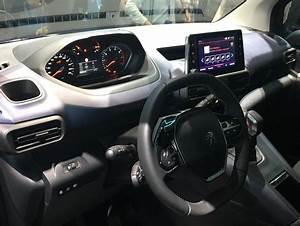 Peugeot Rifter Interieur : le peugeot rifter coquet vid o en direct du salon de ~ Dallasstarsshop.com Idées de Décoration