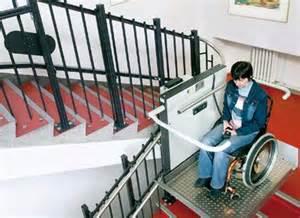 rollstuhl treppen rollstuhl schrägaufzüge ergänzen treppen innen und außen
