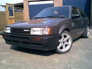 Mazda 323  1987