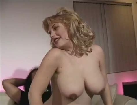 Chubby Pregnant Blonde Girl Gets Her Delicious Pussy Eaten