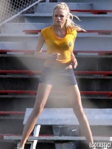 » GABRIELLA WILDE AS SUE SNELL WORKING OUT ON SET OF ...