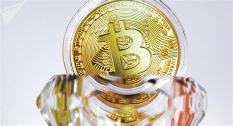 Bitcoins can be sent to someone across the world as easily as one can pass cash across the counter. Bitcoin decoleaza iar | Ziarul National