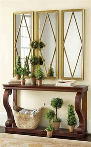 Mirrored, Entryway