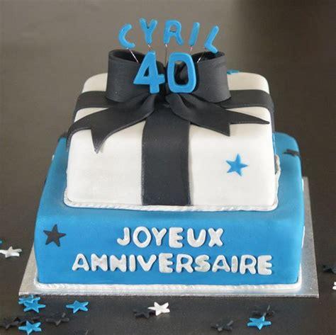 dessert chocolat blanc et noir g 226 teau anniversaire homme 40 ans bleu et blanc nœud noir g 226 teaux d 233 lices