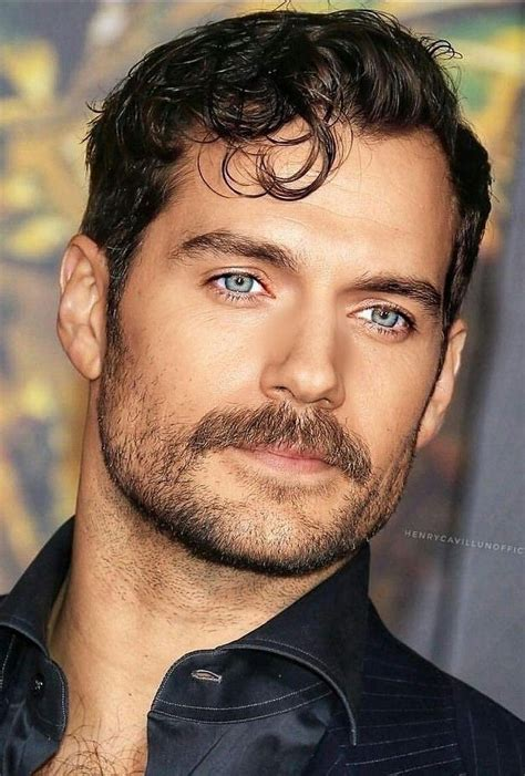 Henry Cavill | Henry cavill shirtless, Henry cavill beard ...