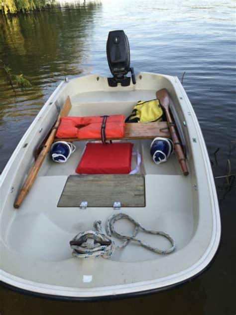 boston whaler  ft row boat dingy tender boston