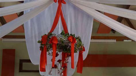 decoration de mariage glamour en rouge blanc  argent