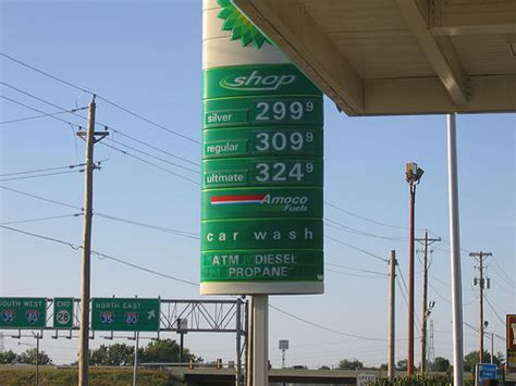 Gas L Des Moines des moines iowa gas price 2 99 flickr photo