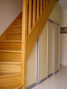 Placard Escalier : dressings et placards menuiserie douai nord ~ Carolinahurricanesstore.com Idées de Décoration