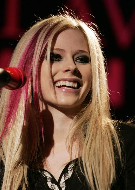 Female Singers Avril Lavigne Pictures Gallery