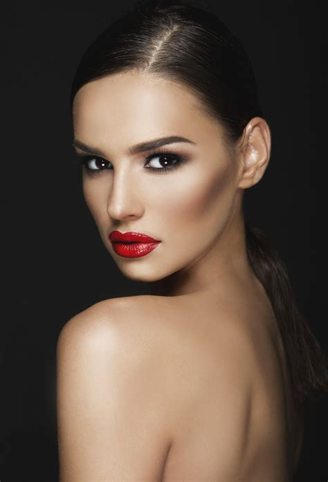 Cosmetic Models - Silk Oil of Morocco