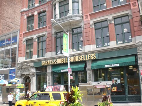 barnes and noble nyc locations signed copies at barnes noble union square nyc