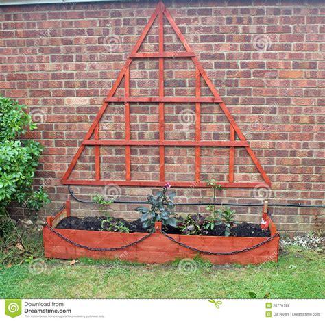 Triangular Trellis Work Stock Image Image Of Chain, Wood