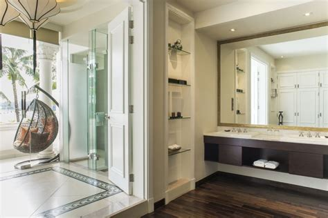 Small Luxury Hotel Bathrooms by Riverview Luxury Suite With Balcony Villa Song Saigon Hotel