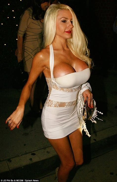 Courtney Stodden And Her Double D Gotceleb