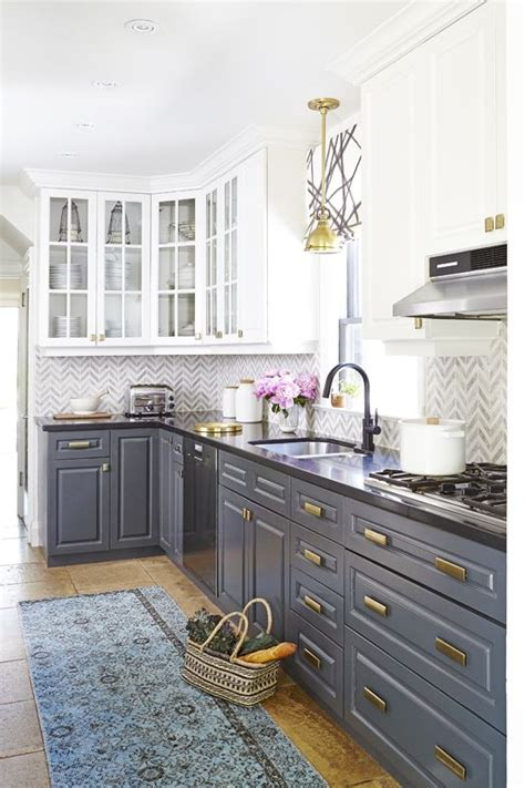 what color to paint a kitchen best 25 two toned cabinets ideas on two tone 9619