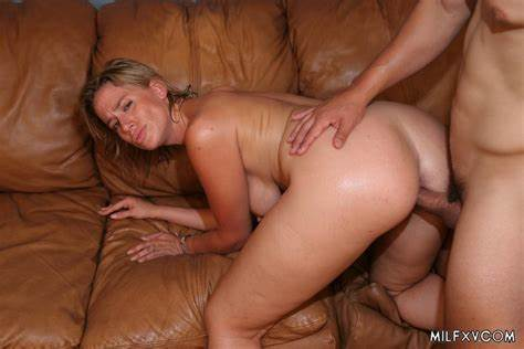 Body Mature Pounding Destroys And Swallows Facial
