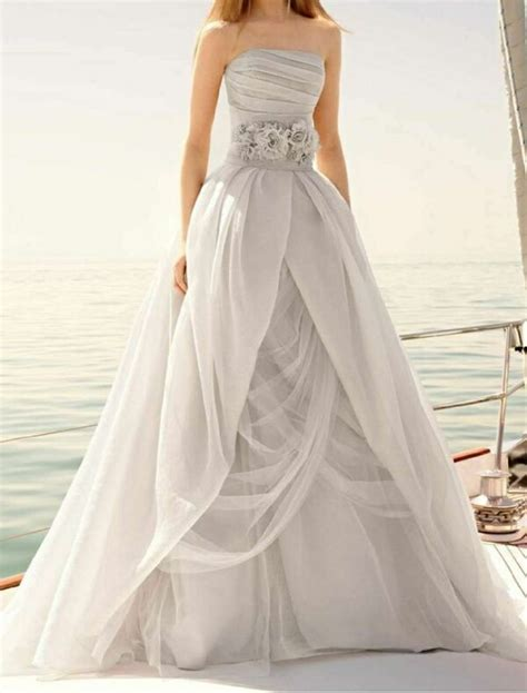 Used Vera Wang Grey Organza Wedding Gown For Sale In Rio