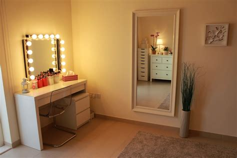 white desk with mirror and lights makeup table lighted mirror style guru fashion glitz