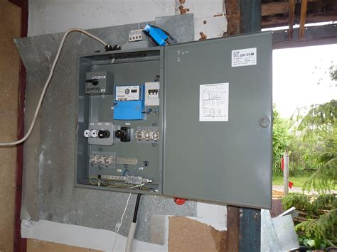 Pipe In Fuse Box by Garage Fuse Box Wiring Diagram