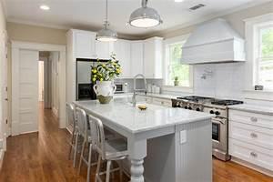 White, Farmhouse, Kitchen, With, Industrial, Elements