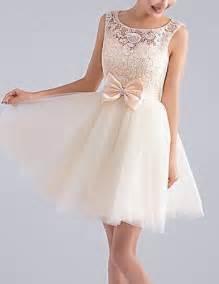 kleider fã r brautjungfern die besten 17 ideen zu jugendweihe kleider auf vestidos homecoming kleider rosa und
