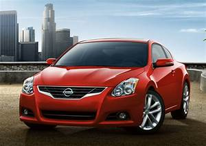 2010 Nissan Altima Coupe - Overview