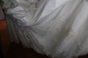 Diy how to clean your wedding dress for Diy wedding dress cleaning