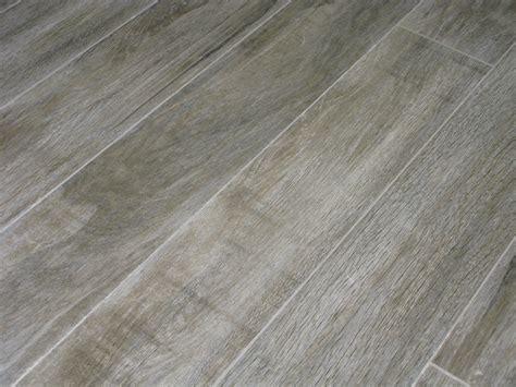 couleur chambre gris carrelage parquet exterieur 16x99 5 focus grey out