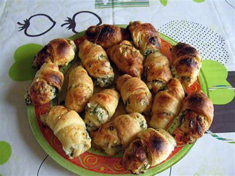 petit four pate feuillete recette de petits croissants au ch 232 vre