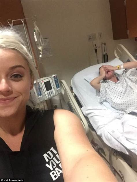 Texas Woman Takes Selfie With Sister Who Is Giving Birth