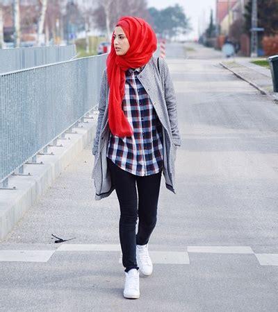 tampil stylish bergaya street chic ala zizi osashion biutifa tips sehat  cantik  muslimah