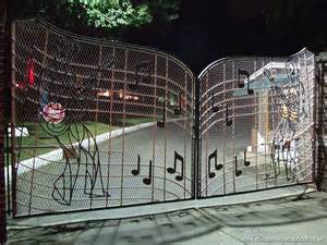 images of gates elvis presley images gracelands gates wallpaper hd wallpaper and background photos 4481217