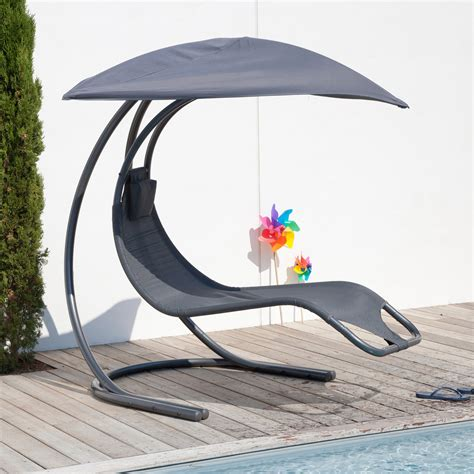 chaise suspendue jardin chaise longue de jardin suspendue