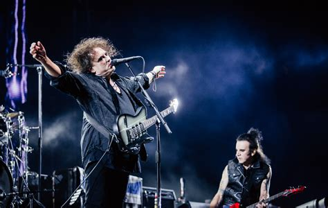 cure carry   glastonbury high  giddily