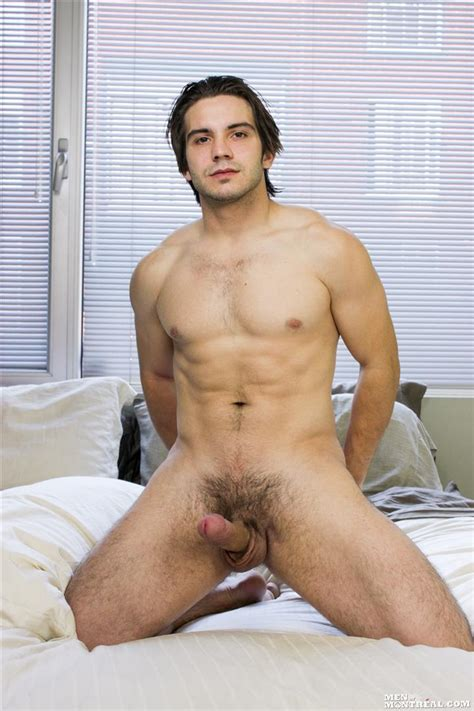 Beefy Canadian Hunk Jerking Off His Big Uncut Cock – Hung Amateurs