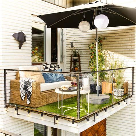 canapé de balcon 101 idées déco aménagement pour un petit balcon
