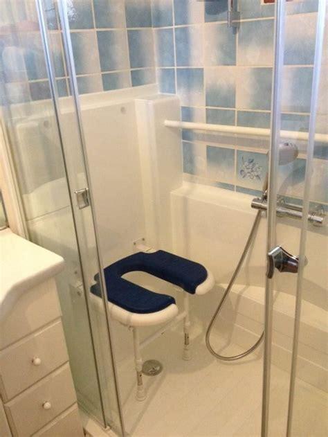 siege baignoire pour handicapé les 25 meilleures idées de la catégorie toilette pour