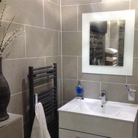 moderna light grey porcelain floor and wall tiles