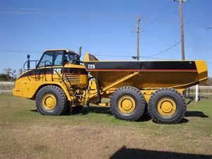 cat articulated dump truck 2004 caterpillar 725 articulated dump truck caterpillar
