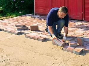 Terrassenplatten Verlegen Auf Splitt : wie sie terrassenplatten aus betonstein verlegen bauhaus ~ Michelbontemps.com Haus und Dekorationen