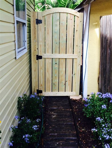 diy fence gate  ways  build  diy projects wooden garden gate wooden fence gate