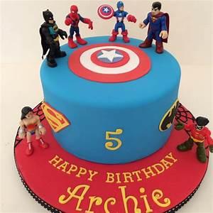 One tier Marvel Superhero cake