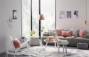 Salon en couleur pastelidées sur la décoration et le