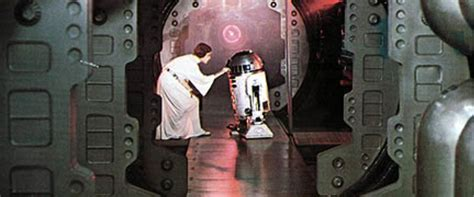 Star Wars Movie Review & Film Summary (1977)