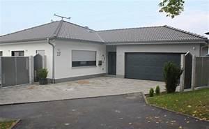 Bungalow Mit Garage Bauen : bungalow mit doppelgarage ~ Lizthompson.info Haus und Dekorationen