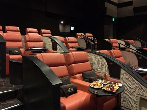 Theaters With Reclining Chairs Houston by Slideshow New River Oaks Theater Set To Lavish Comfort